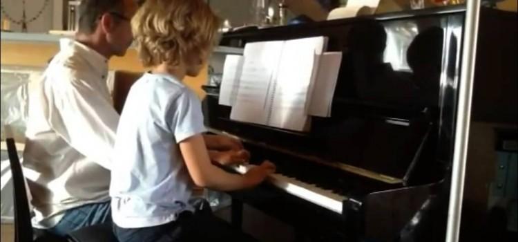 Cours de piano enfant à 4 mains